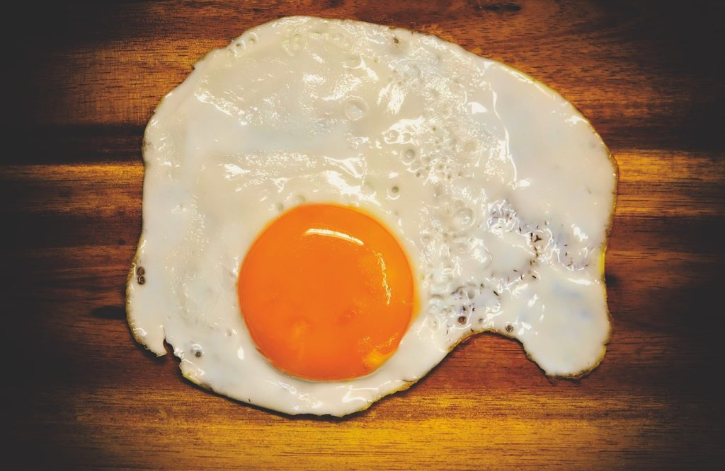 Over-easy fried-egg(目玉焼き)